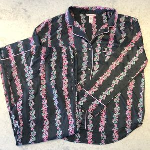 ⭐️New Victoria's Secret Satin Long Pajama Set Two Piece Large